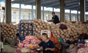 """Toàn cầu """"nín thở"""" khi kinh tế Trung Quốc ngày càng chậm lại"""